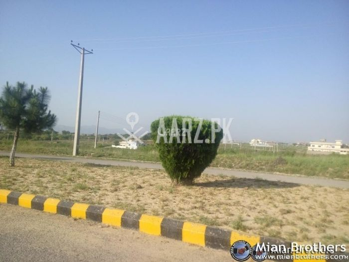 300 Square Yard Plot for Sale