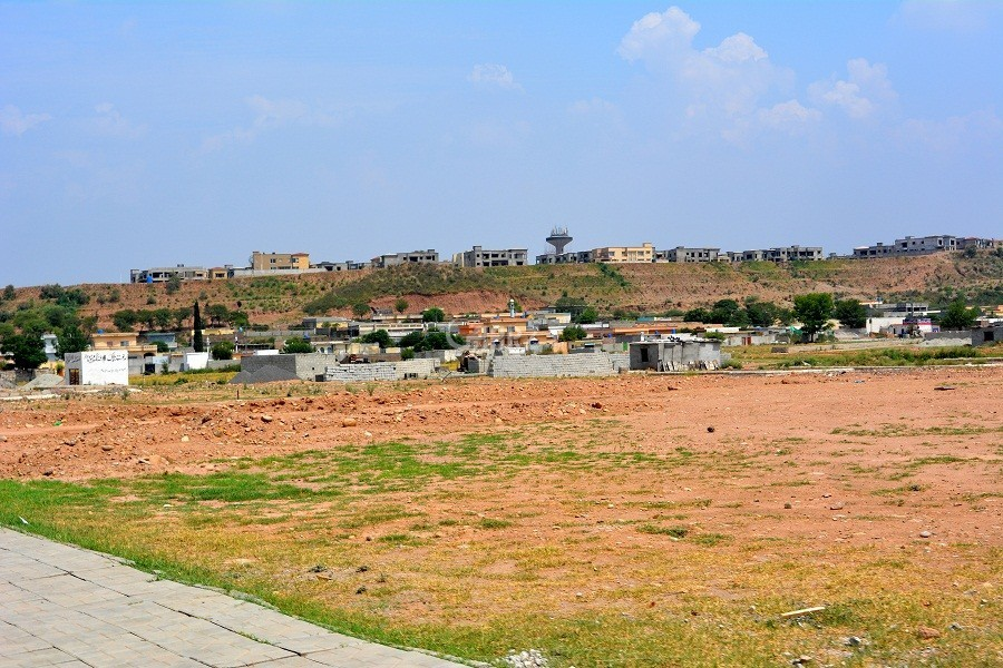 10 marla plot in bahria phase 8 oversees 3