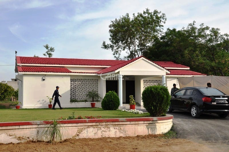12 Marla Corner Plot (40x80) in D-17, Street #2, Block-B for Sale