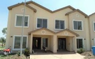 5  Bedrooms Houset for Sale