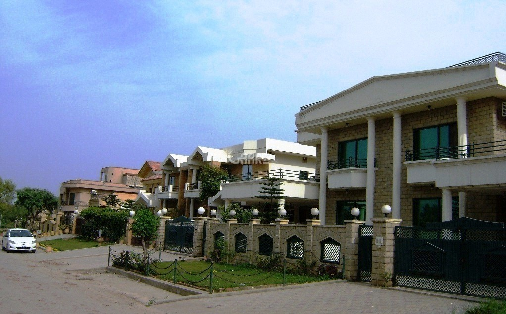 2 Bedrooms House for Rent - Ground portion.