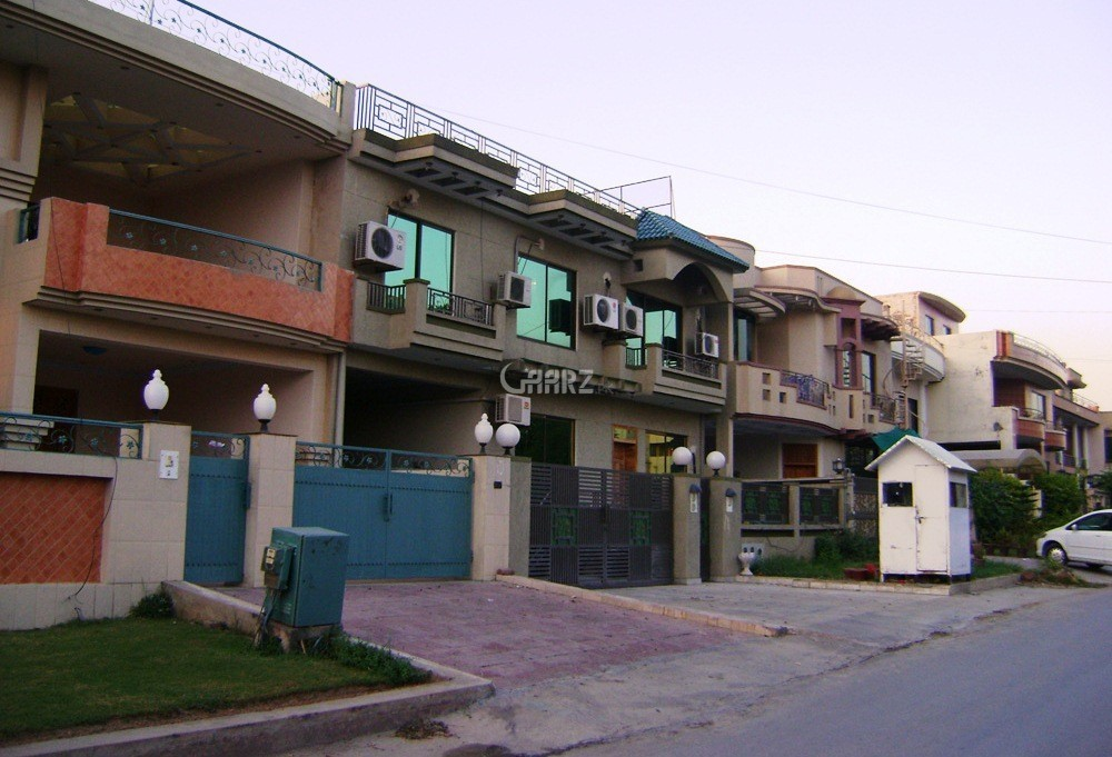 4 Bedrooms House for Rent - First Floor