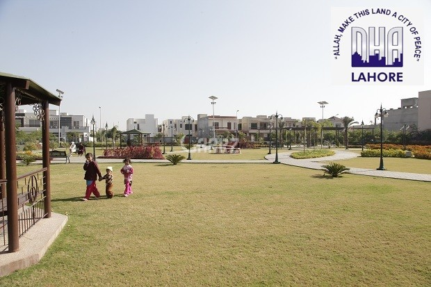 1 Kanal Plot for sale in DHA Phase 8, No,. 31 Block R At 155 Lacs