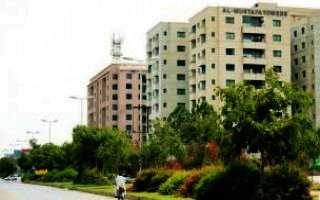 2025 Square Feet Flat for Sale