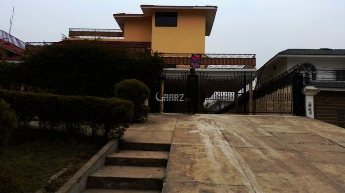 733 Square Yards House for Rent