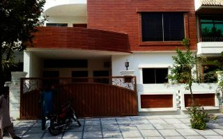 10 Marla House for Sale in E-11