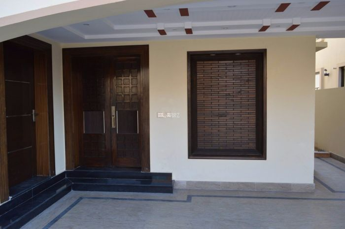 1 Kanal Upper Portion for Rent in Lahore Muslim Town A Block