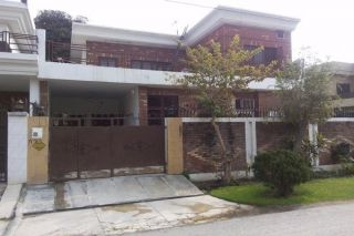 10 Marla House for Rent in Rawalpindi Bahria Town Phase-5