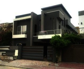 10 Marla House for Rent in Lahore Model Town