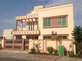 10 Marla House for Sale in Rawalpindi Bahria Town Phase-8 Block C