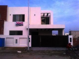 10 Marla Lower Portion for Rent in Lahore Air Avenue