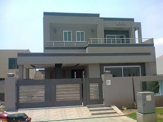 10 Marla House for Rent in Lahore Bahria Town Awais Qarni Block