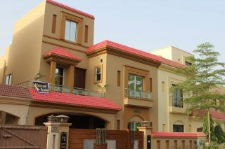 10 Marla House for Rent in Lahore Punjab Coop Housing Society