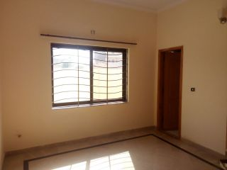 10 Marla Upper Portion for Rent in Lahore DHA Phase-1 Block P