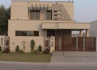 10 Marla Upper Portion for Rent in Lahore Faisal Town Block D