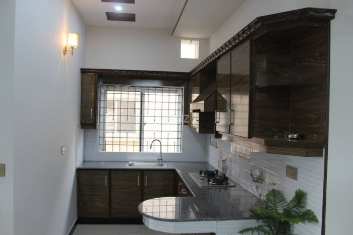 390 Square Feet Apartment for Rent in Lahore Bahria Town Sector C