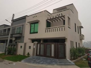 5 Marla Upper Portion for Rent in Lahore Bahria Town Block Aa