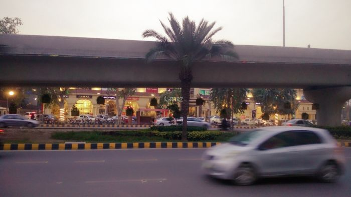 230 Square Feet Commercial Shop for Sale in Lahore Akbari Mandi