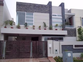 10 Marla Lower Portion for Rent in Lahore Bahria Town Umar Block