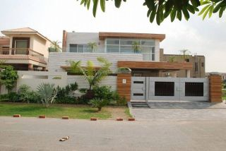 11 Marla House for Rent in Lahore Bahria Town Umar Block