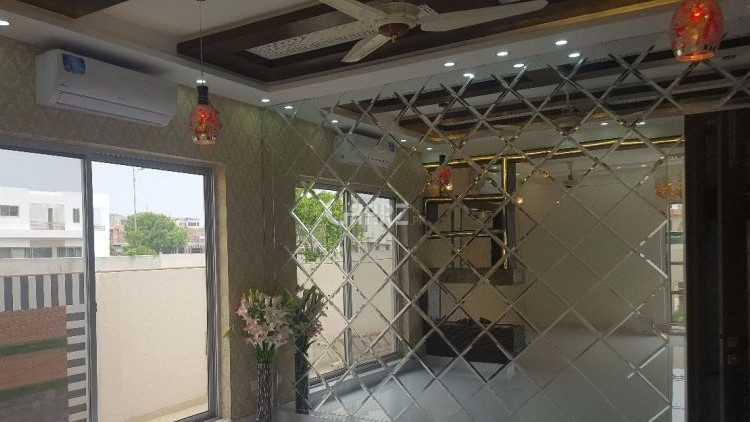 32 Marla Upper Portion for Rent in Lahore Eme Society Block C