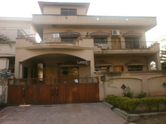500 Square Yard House for Sale in Islamabad F-11/1