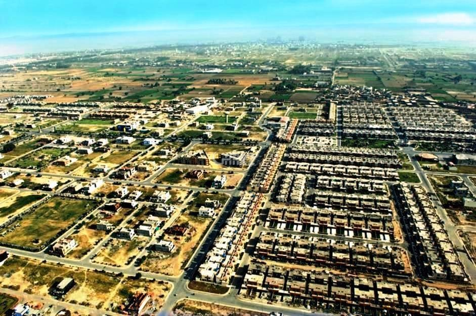 10 Marla Beautiful Plot For Sale In Bahria Town Phase 8,C Block.
