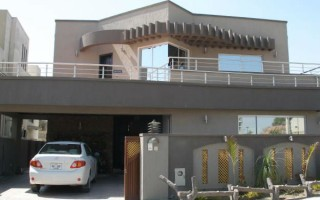10 Marla House For Rent in Bahria Phase 4.