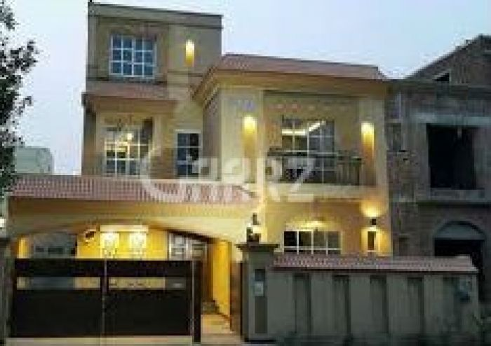10 Marla House For Rent in Bahria Phase 5.