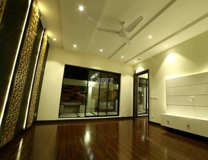 272 Sq. Yd. Flat Available For Rent in Clifton, Karachi.