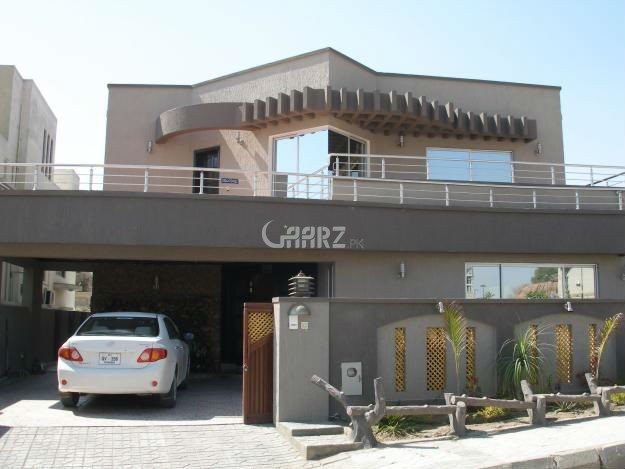 1 Kanal Beautiful House For Sale In Phase 3.