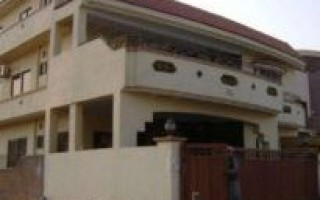 400 Sqaure Yard House For Rent In F-11