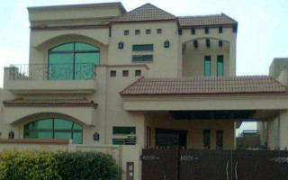 1 Kanal House for Rent in G-14/4