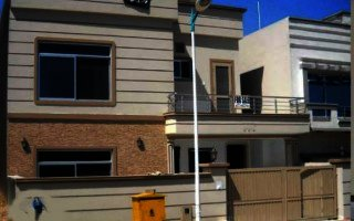 10 Marla House For Rent In Bahria Town Phase 8,Rawalpindi.