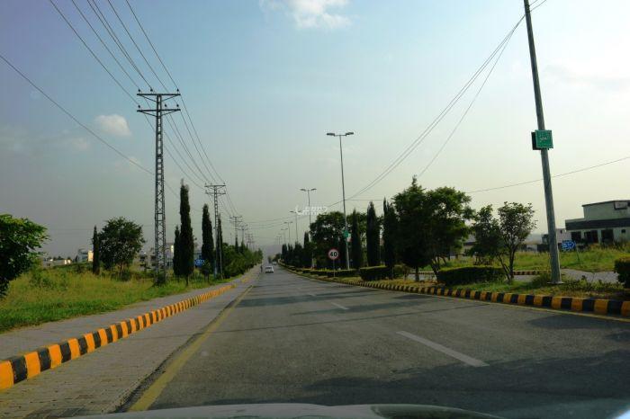 5 Marlas Plot For sale In Simli Dam Road, Islamabad.