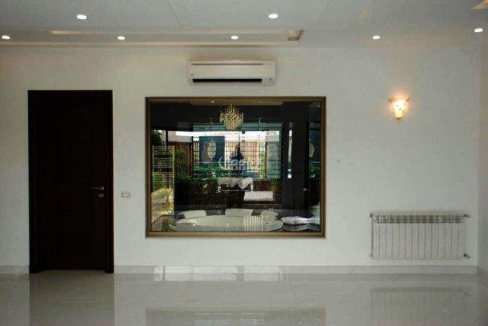 850 Square Yards House For Sale in DHA Phase-I