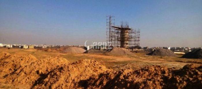 320 Square Yards Plot For Sale in Saadi Town