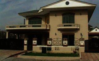10 Marla House For Rent In Safari Villas-3, Bahria Town