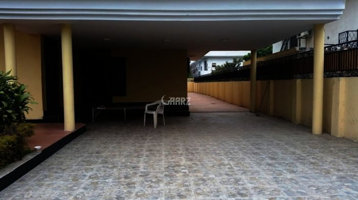566 Square Yards House for Rent in F-10/2