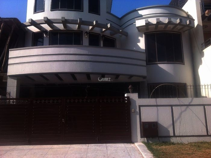 400 Square yards House for Rent in F-11/2
