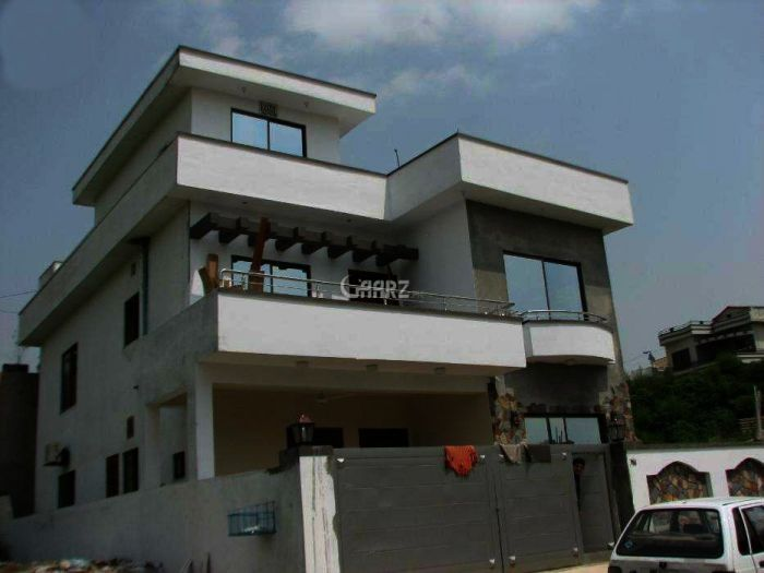 10 Marla Park Face House For Rent in Bahria Town Phase-II, Rawalpindi.