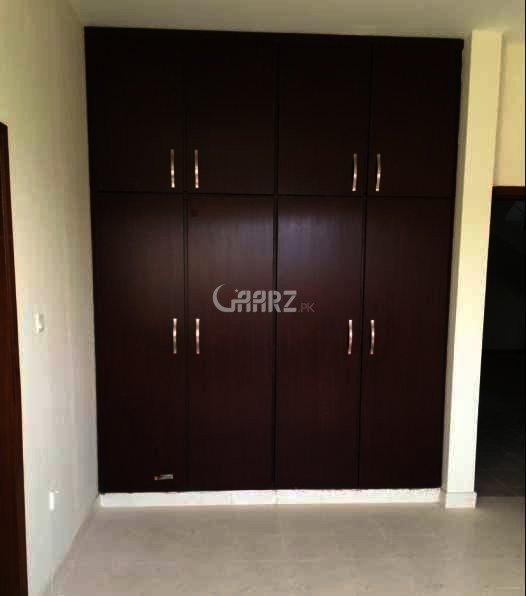 1 Big Room For Rent In  Model Town link road