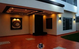 1 Kanal Corner Facing Park With Basement House For Sale