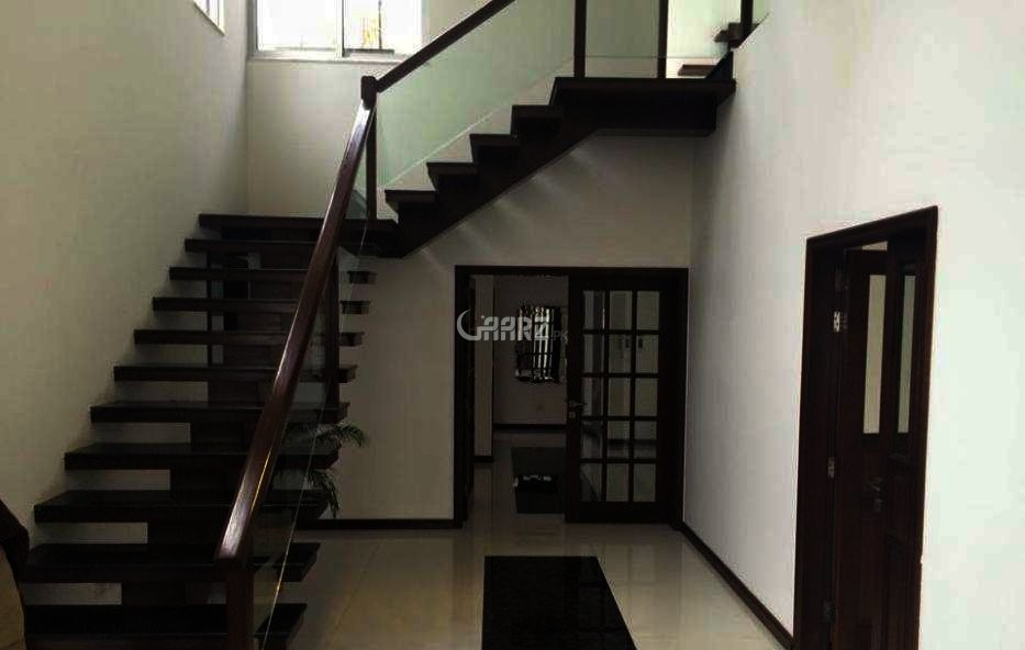 1 Kanal Hall For Rent In GARDEN TOWN Barkat Market, Lahore.