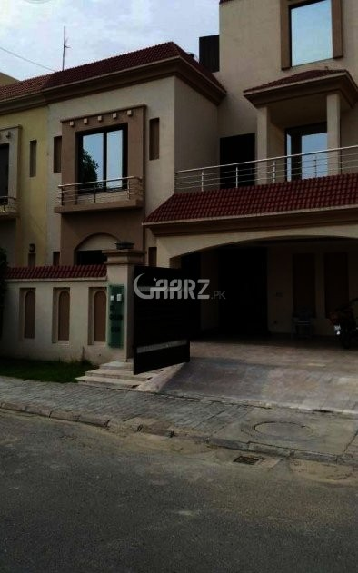 10 Marla House For Rent In Bahria Town, Lahore.
