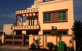 10 Marla House For Rent In  Bahria  Tulip Block Lahore