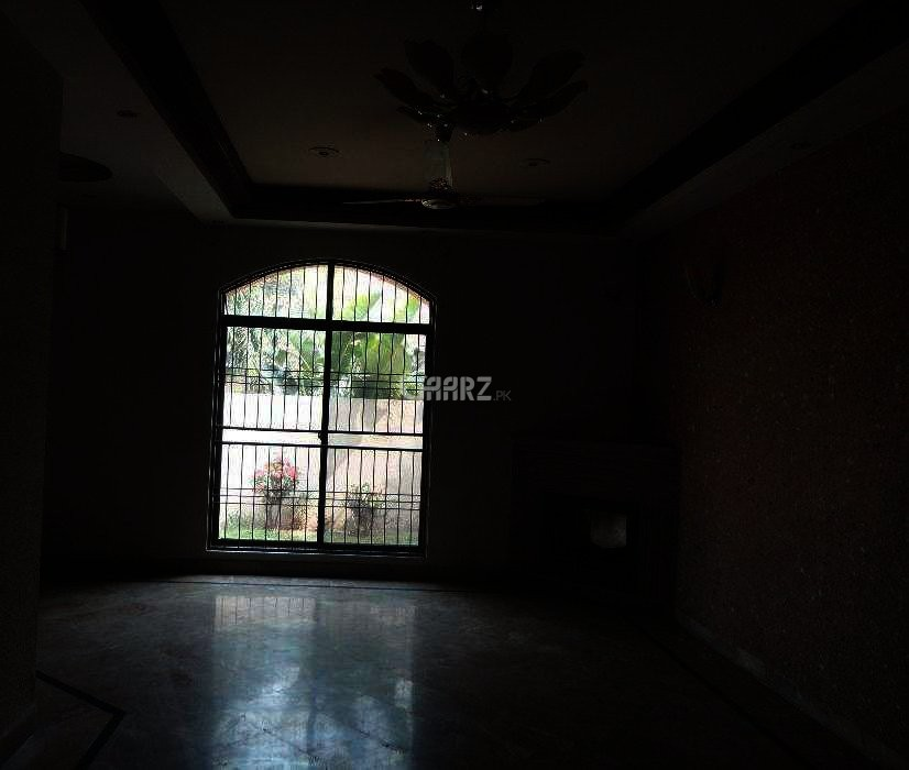 10 Marla Lower Portion For Rent In Bahria Town Jasmine Block, Lahore