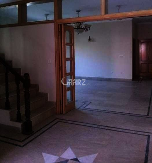 10 Marla Lower Portion For Rent In PCSIR Society, Lahore.