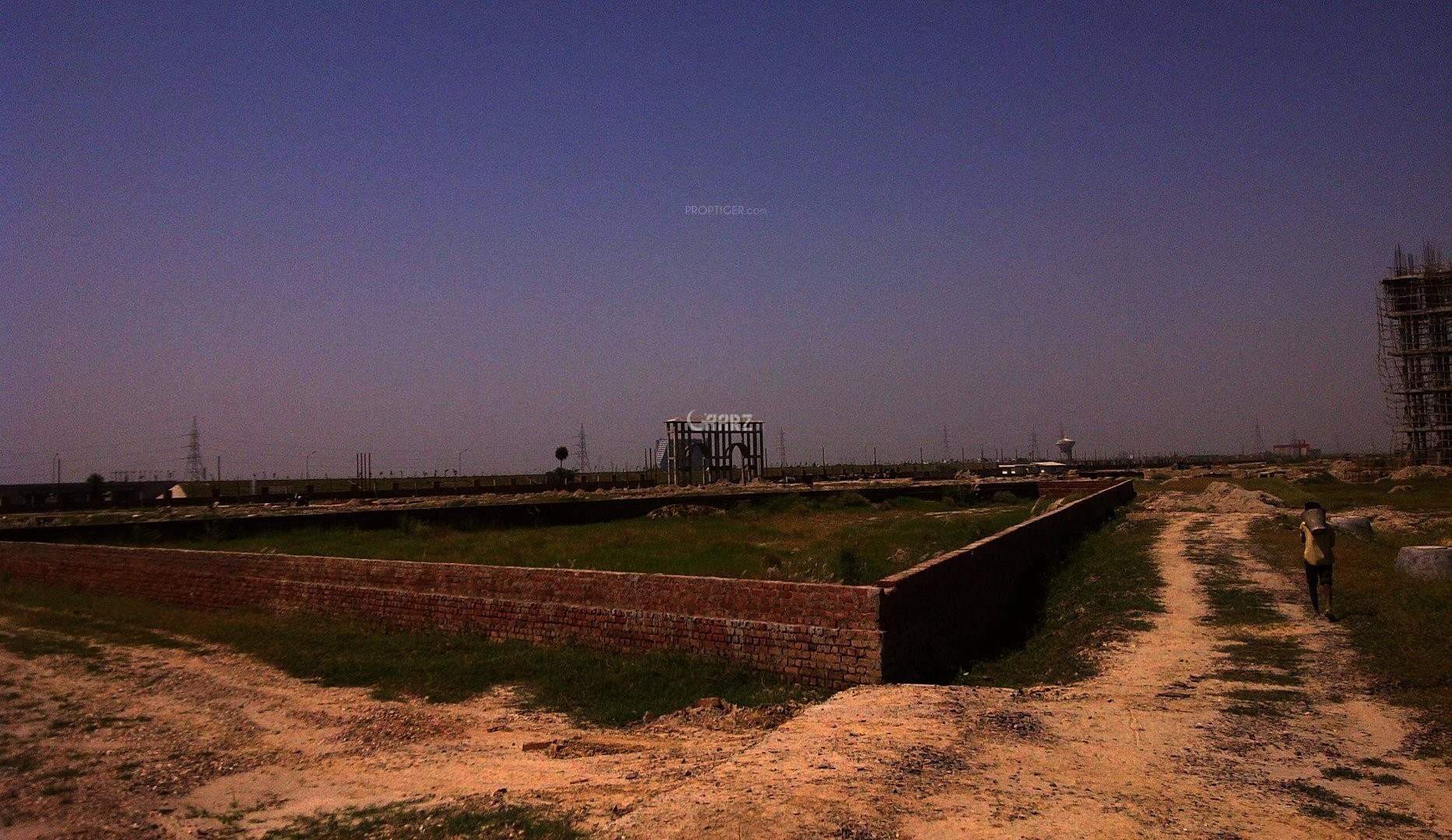 10 Marla Plot For Sale In Bahria Town Jasmine Block Lahore.