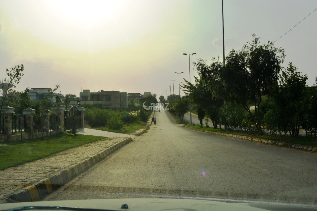 10 Marla Plot For Sale In Ferozepura City, Lahore